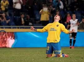 Le central portera le maillot 'albiazul' les trois prochaines saisons. EFE