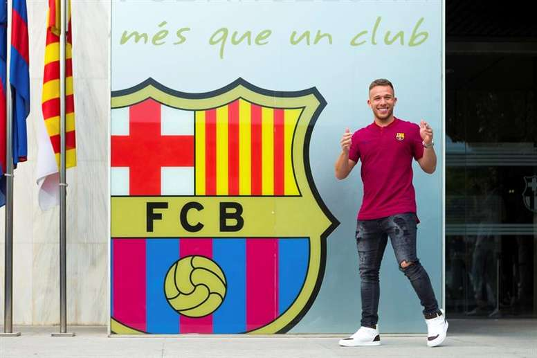 Arthur Melo has been enjoying the city, after coming to sign his contract on Thursday. EFE