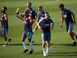 Digne looks set to leave Barcelona imminently. EFE
