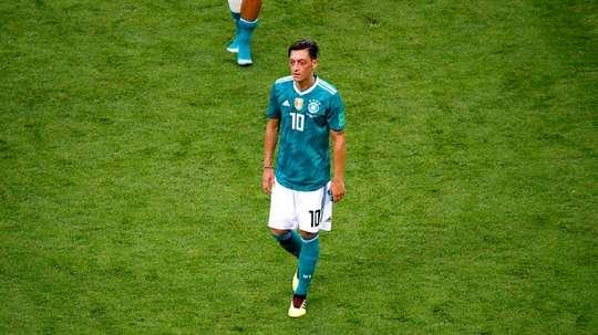 ¿Un apoyo para Mesut Özil? EFE