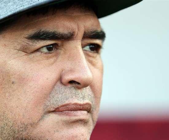 Maradona cree que Menotti sería el hombre adecuado para dirigir a la 'Albiceleste'. EFE
