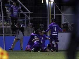 Los jugadores de Real Potosí siguen luchando. EFE