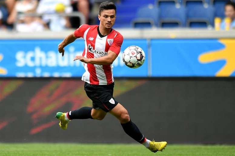 El Athletic anunció un principio de acuerdo con el Viitorul por la cesión de Ganea. EFE