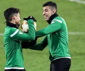 Battaglia renovó con el Sporting tras rescindir su contrato de manera unilateral. EFE