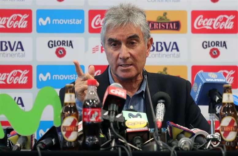 Oblitas aceptó el aplazamiento de la Copa América. EFE
