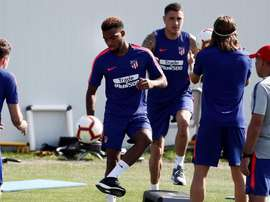 New signing Thomas Lemar trains with his Atletico Madrid team-mates. EFE