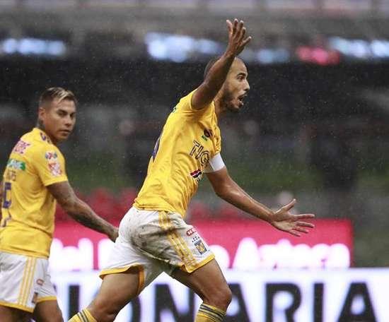Pizarro remplace Palacios. EFE