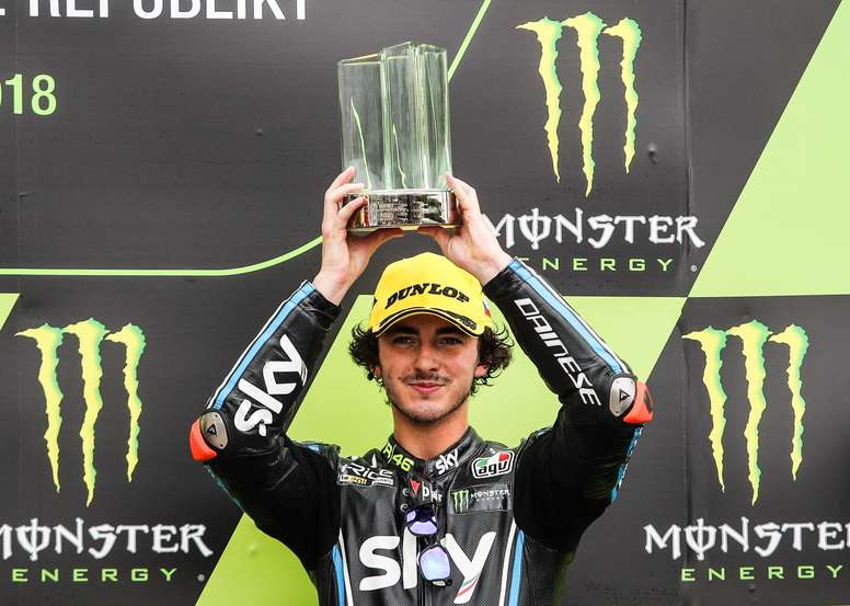 Francesco Bagnaia celebra su tercer puesto en el GP de la República Checa. EFE/Archivo