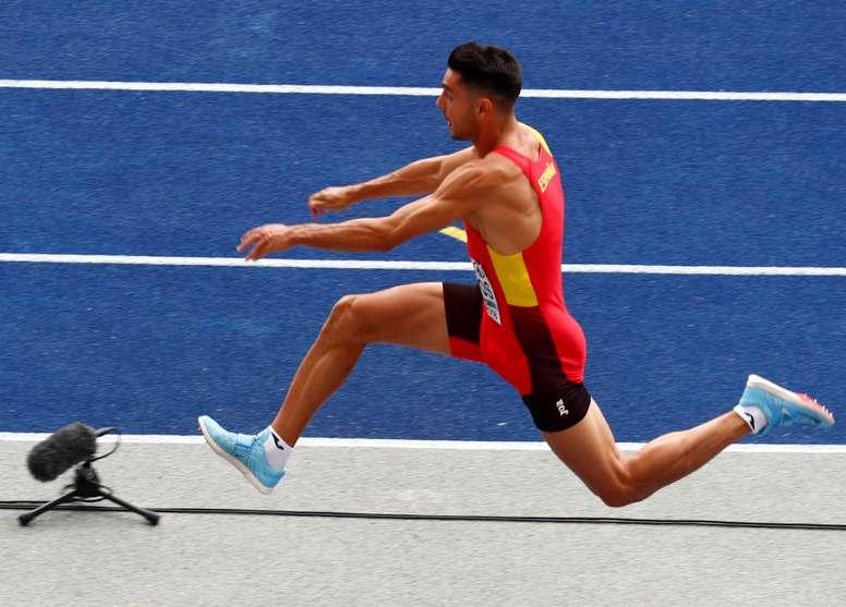 ¡El español Pablo Torrijos compite en la clasificación del triple salto masculino en los Campeonatos de Europa de Atletismo que se celebran en Berlín, Alemania, hoy, 10 de agosto de 2018. EFE