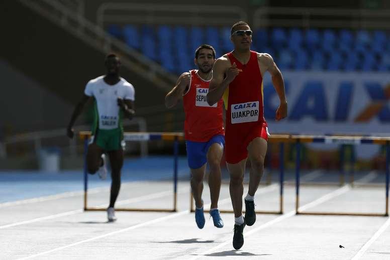 El atleta español Mark Ujakpor (d), en una imagen de archivo. EFE/Archivo