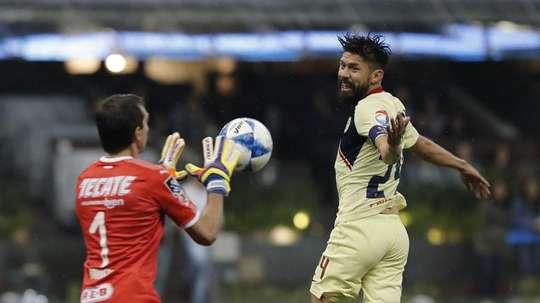 América se impuso por tres goles a cero a Monterrey. EFE