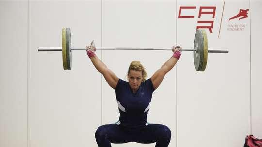 La atleta española de halterofilia Lidia Valentín, durante un entrenamiento. EFE/Archivo
