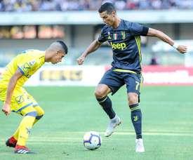 A Juve venceu por 3-2 na casa do Chievo. EFE/EPA