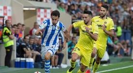 Morlanes (c) ha jugado cinco partidos con el Villarreal este curso. EFE