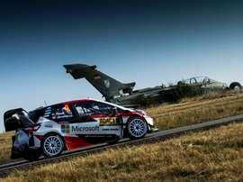 El estonio Ott Tänak (Toyota) logró este domingo en Alemania su tercera victoria de la temporada en el Campeonato del Mundo de rallys, al completar el último tramo cronometrado con un margen de 39.2 segundos sobre el belga Thierry Neuville (Hyundai). EFE