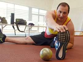 Al asturiano de Tineo David Fernández, de 31 años, le cambió radicalmente la vida un 2 de febrero de 2012 cuando sufrió el accidente por el que tuvo que estar ingresado durante cinco meses, además de permanecer 43 días en coma y que le supuso la amputación de la pierna izquierda a la altura de la rodilla. EFE