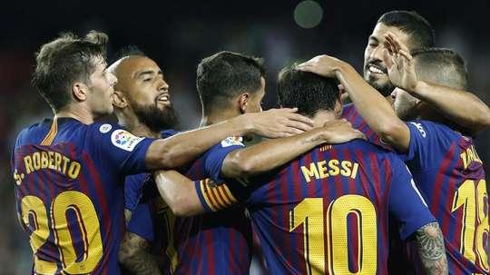 El Barça goleó al Alavés en el debut liguero. EFE