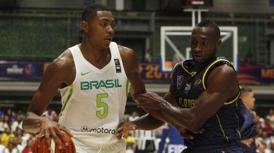 Los Houston Rockets fichan al alero brasileño Bruno Caboclo. EFE