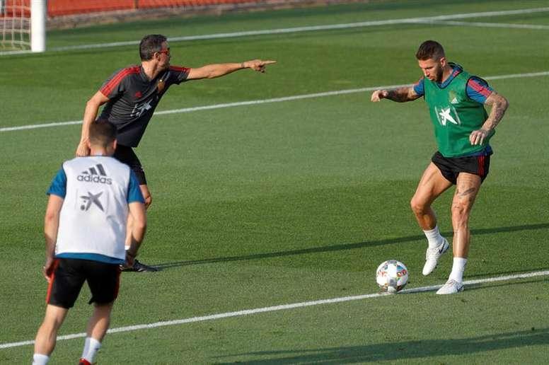 Luis Enrique se deshizo en elogios hacia Sergio Ramos. EFE