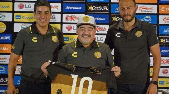 Chelís fue muy duro con Maradona. EFE