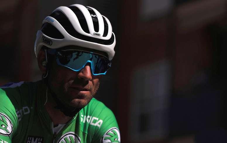 El español Alejandro Valverde (Movistar), antes de la decimoctava etapa de la Vuelta ciclista disputada entre Ejea de los Caballeros y Lleida, de 186,1 km. EFE