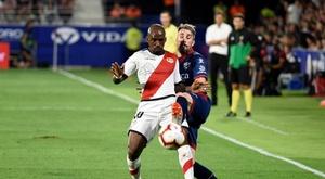 El Rayo alcanzó su primer triunfo ante el Huesca. EFE