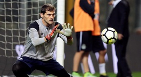Casillas sigue estableciendo registros para la historia. EFE