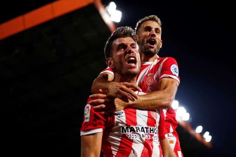 Alcalá y Stuani dieron al Girona su primera victoria en casa. EFE
