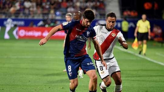 Melero seguirá jugando en el Huesca esta temporada. EFE