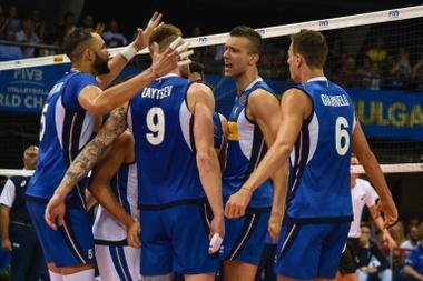 Los jugadores de Italia este martes durante su partido del Campeonato Mundial de Voleibol Masculino frente a Eslovenia. EFE