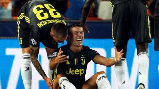 Cristiano Ronaldo n'a pu éviter de verser des larmes. EFE