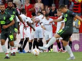 El Sevilla apabulló al Standard de Lieja en el Pizjuán. EFE