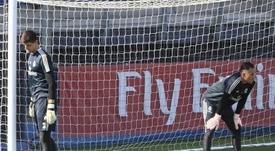 Since Courtois' summer arrival, the goalkeeper debate has failed to cease at Madrid.  EFE