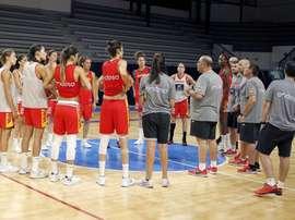 Las jugadoras de la selección española de baloncesto femenino, durante el entrenamiento de hoy en Tenerife previo a la decimoctava edición de la Copa del Mundo de Baloncesto Femenino FIBA 2018 que comienza el próximo sábado. EFE