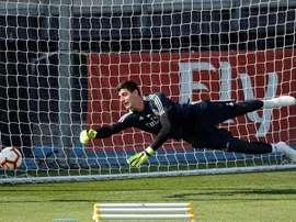 Courtois ha subito cinque goal contro il Barcellona e altri cinque contro la Svizzera. EFE/Archivo
