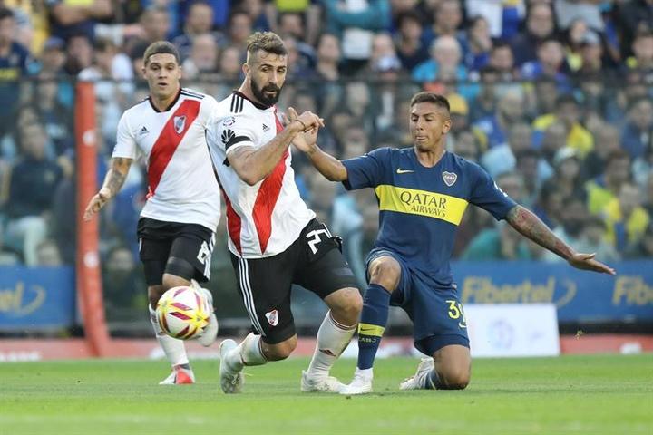 Agustín Almendra, baja destacada de Boca para recibir a Defensa. EFE