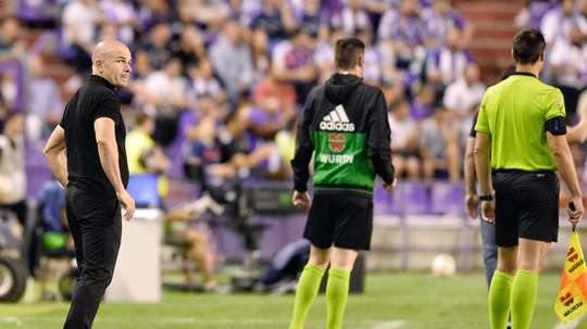 Paco López destacó el trabajo del Levante para vencer al Madrid. EFE