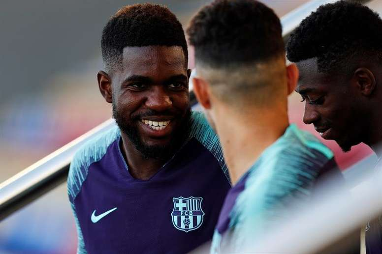 Samuel Umtiti could face a lengthy period out on sidelines. EFE