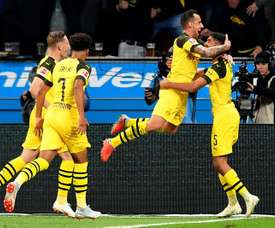 Alcácer consiguió dos goles. EFE