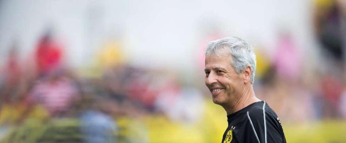 El técnico del Borussia Dortmund habría echado el ojo a O'Riley. AFP