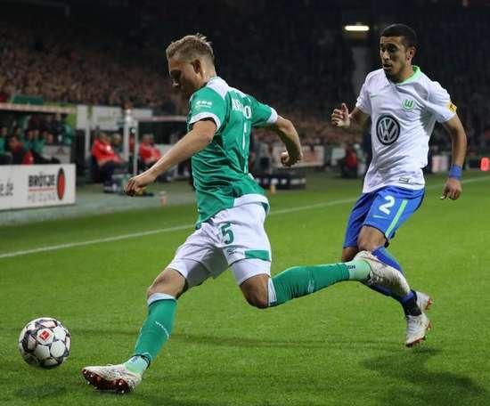 El Werder Bremen se mete en la pelea por el liderato. AFP