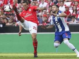 El Benfica consigue la victoria ante el Oporto. EFE