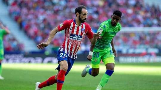 Juanfran quiere que Oblak continúe en el Atlético. EFE