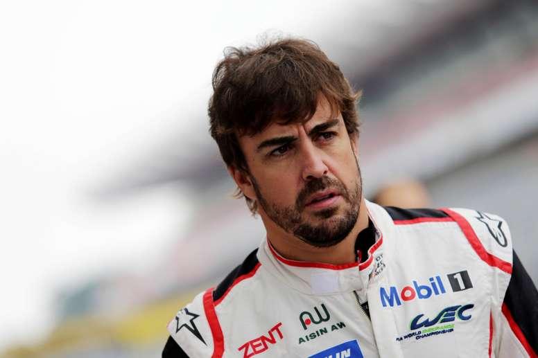 El español Fernando Alonso en el circuito donde se prepara para competir en las Seis Horas de Fuji, dentro del Mundial de Resistencia (WEC) que se disputará del 11 al 14 de octubre. EFE