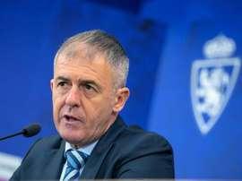 El técnico quiere que su equipo piense en el Cádiz. EFE