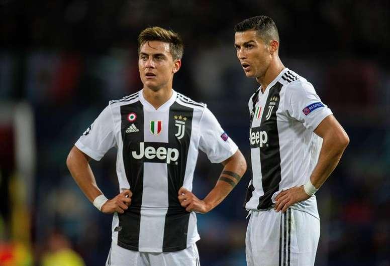 Para Tardelli, Dybala sofre com a presença de Cristiano Ronaldo. EFE