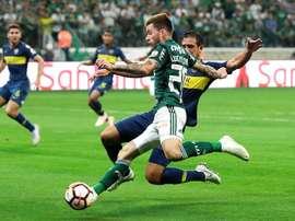 El defensa cometió un penalti que quedó en anécdota. EFE