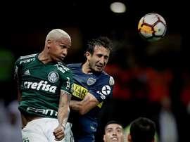 Deyverson no pudo evitar la eliminación de Palmeiras. EFE
