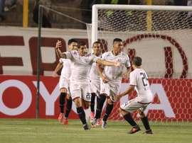 Perú se paraliza ante su gran partido. EFE