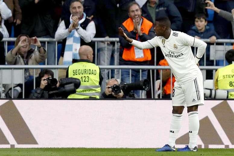 Un tanto en propia provocado por Vinicius allanó el camino al Madrid. EFE